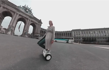 Airwheel S8 saddle equipped scooter