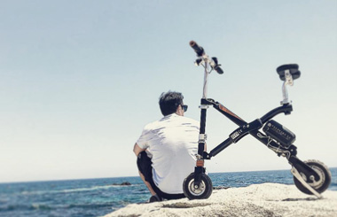 Airwheel E6 Electric Bike Seaside