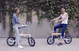 Airwheel R5 portable electric bike on the road.
